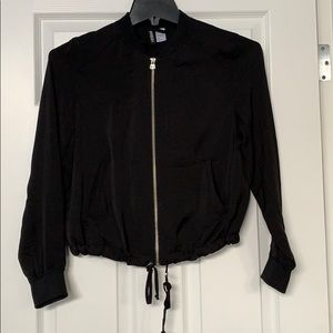 Like new super light weight breathable crop jacket